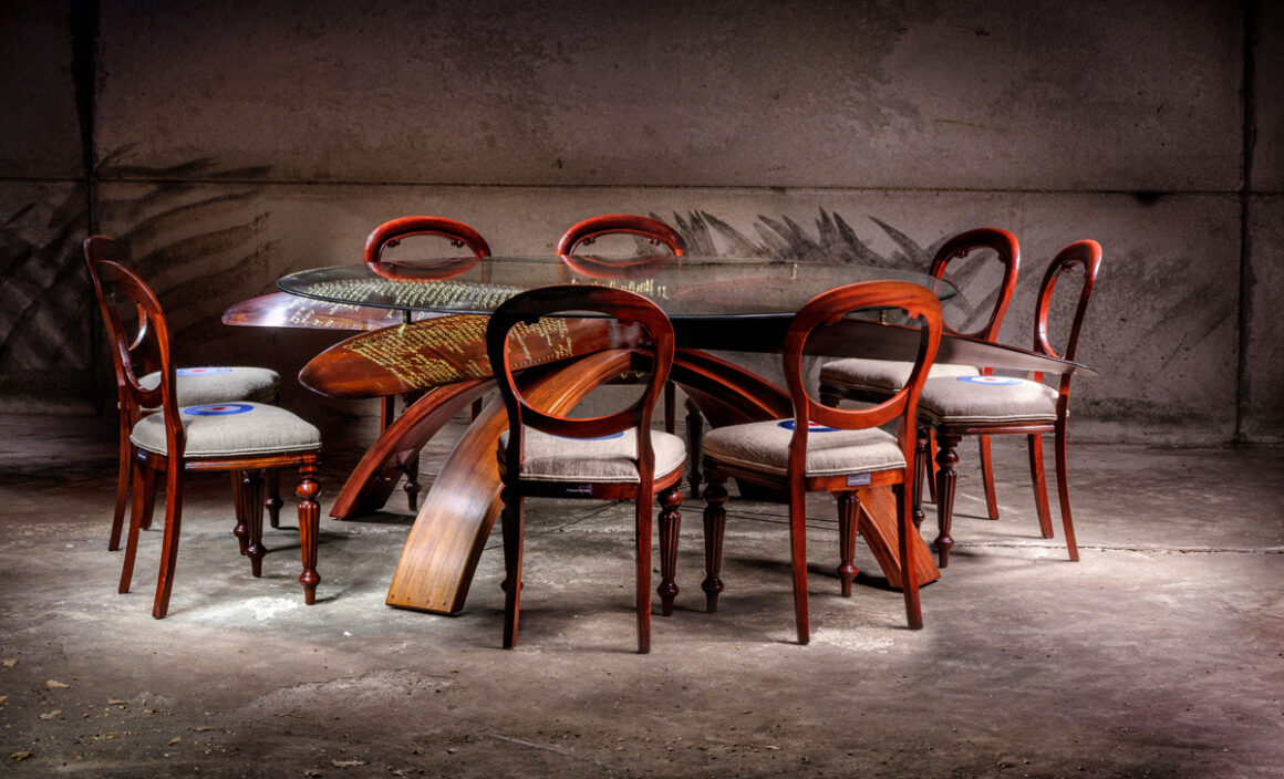 The Lang Propeller Table 01 JH