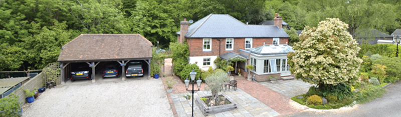 Equestrian property in quiet rural location